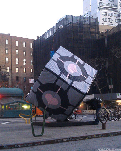 Giant Companion Cube appears in New York City